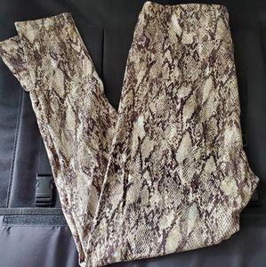 Lularoe/ Brown Snake Print TC Leggings